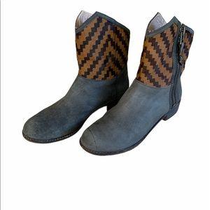 Matt bernson boots size 9.5